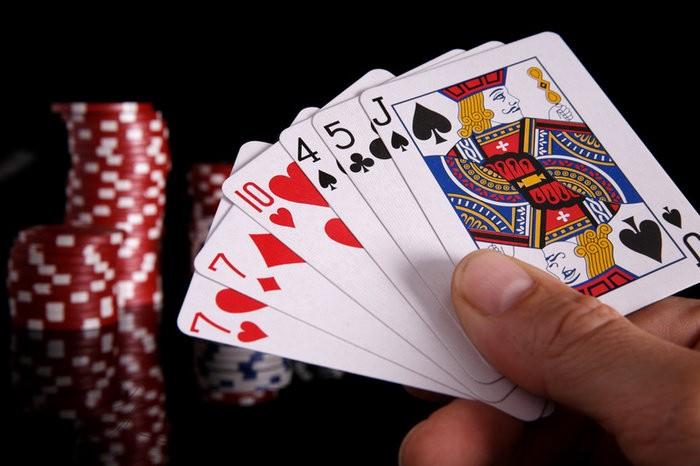 Cara Mengetahui Kartu Poker Milik lawan